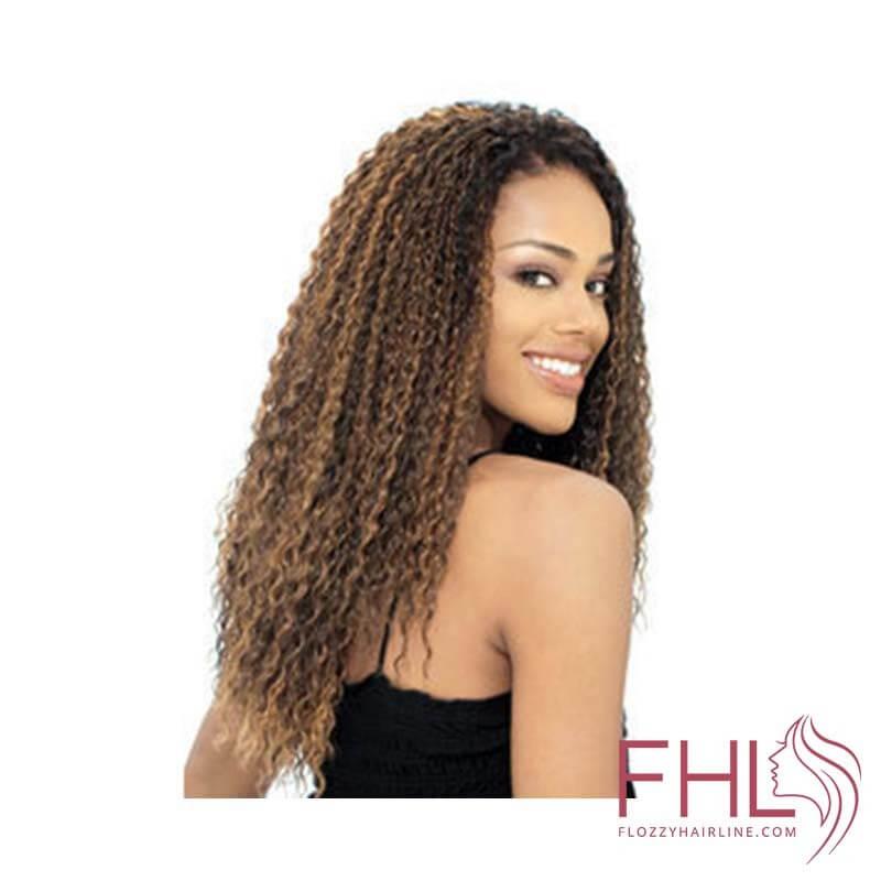 Model Glance Brazilian Curl Braid